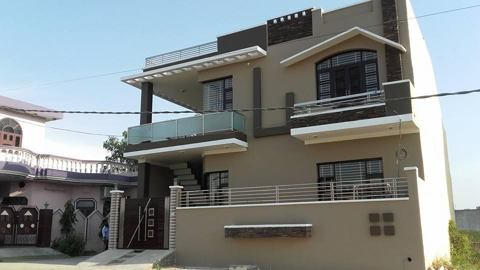 Good looking 4bhk house in guru amardass colony jalandhar for Best looking houses